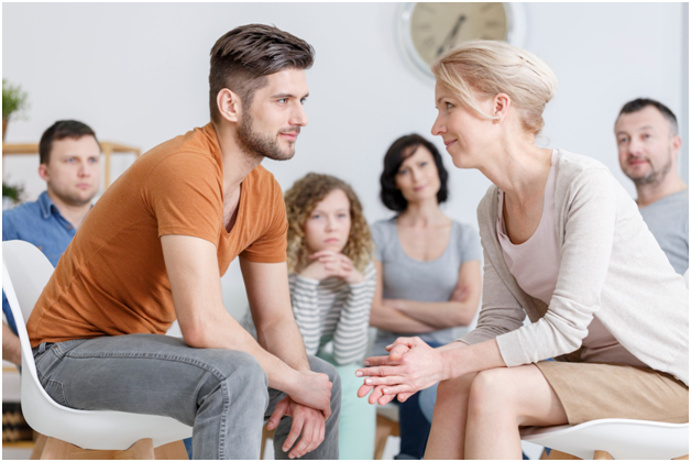 5 Ways You Can Support a Family Member Who Needs Alcohol Abuse Treatment