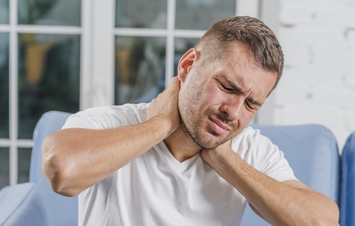 5 Home Remedies To Manage Neck Pain